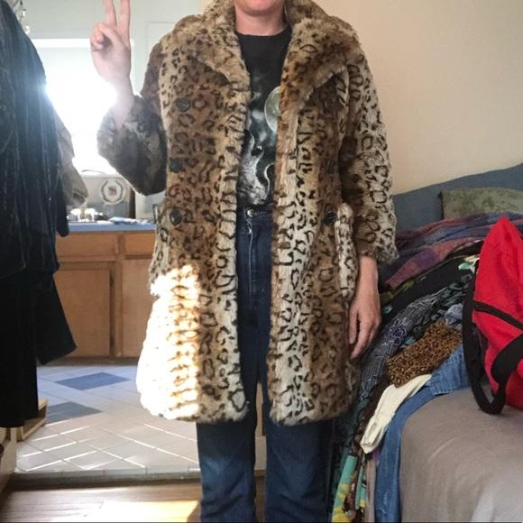 Vigoss Jackets & Blazers - Faux fur leopard jacket